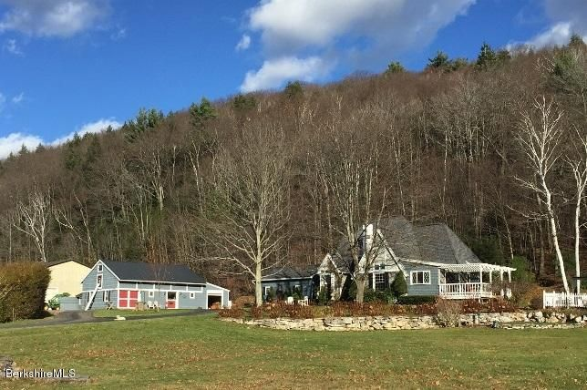 44 Old Ore Bed Rd, Lanesboro, MA 01237
