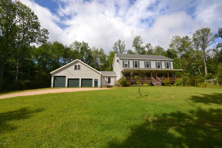 90 Curtis St, Hinsdale, MA 01235