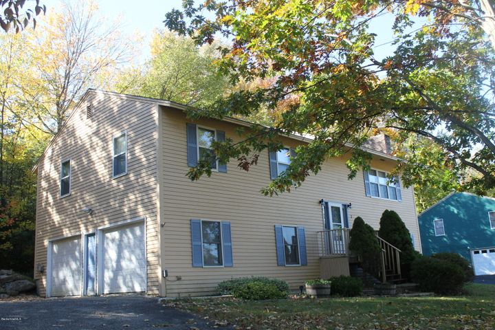 1 Caratina Ave, Pittsfield, MA 01201