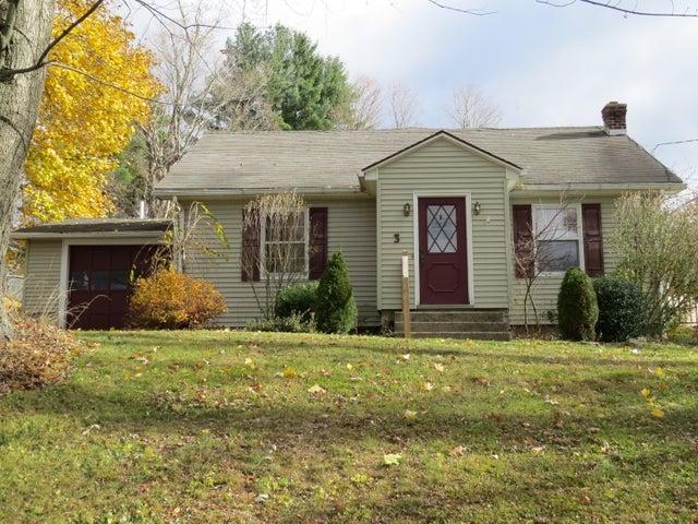 3 Longview Rd, Lanesboro, MA 01237
