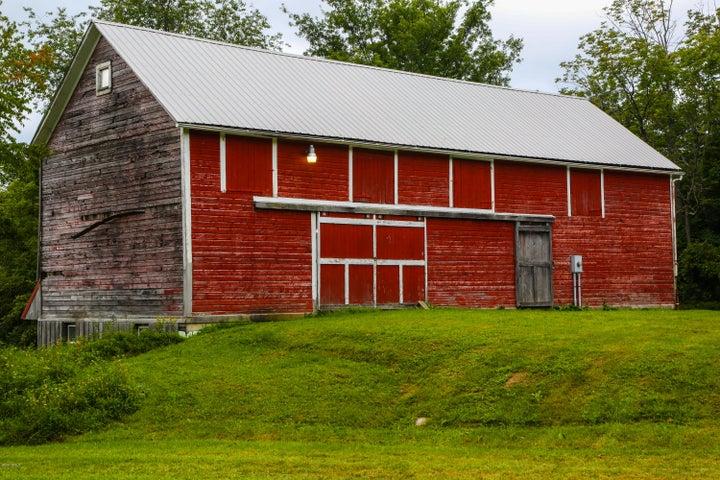 Whitman Rd, Hancock, MA 01237