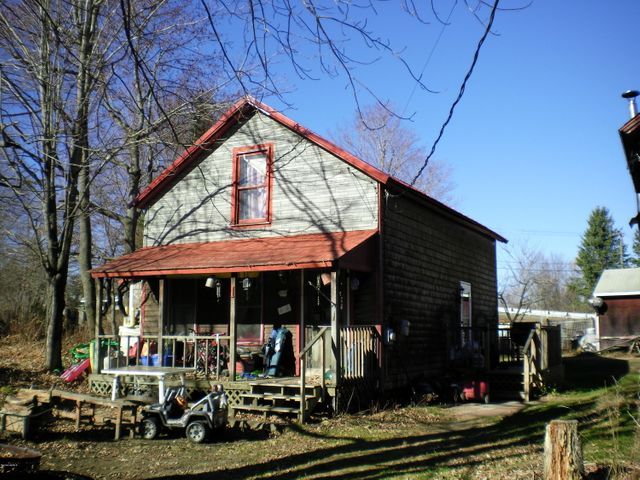 1 Maple St, Hinsdale, MA 01235