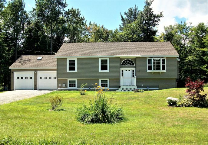 14 King Arthur Dr, Becket, MA 01223