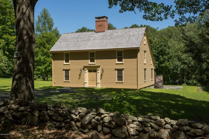 18 Village Hill Rd, Williamsburg, MA 01096