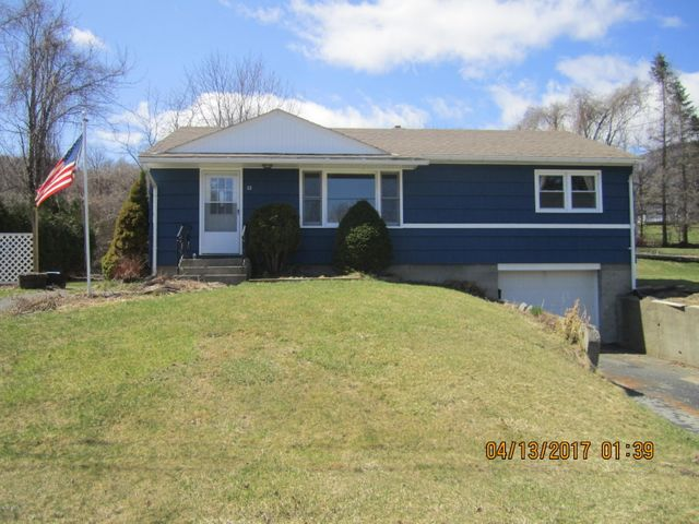 10 Bieniek Ave, Adams, MA 01220
