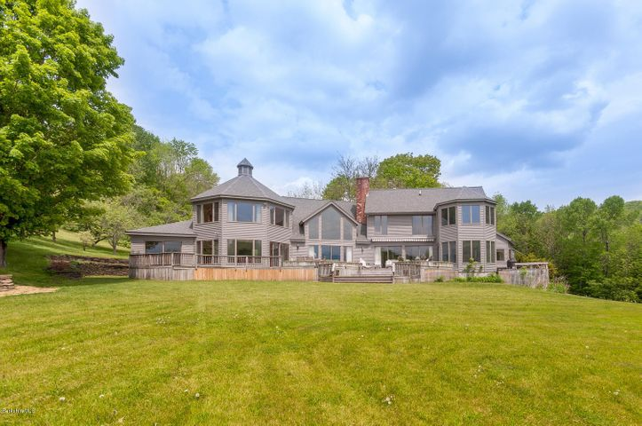 121 Treadwell Hollow Rd, Williamstown, MA 01267