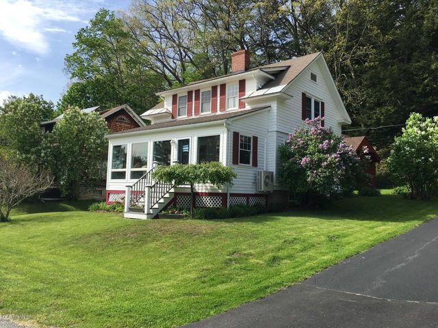25 Park St, Stockbridge, MA 01262