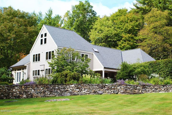 15 West Rd, Alford, MA 01230