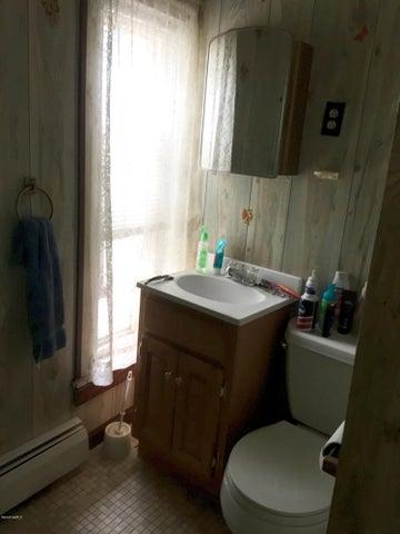 Apt 1 Bath 2
