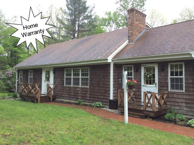 126 George Schnopp Rd, Hinsdale, MA 01235