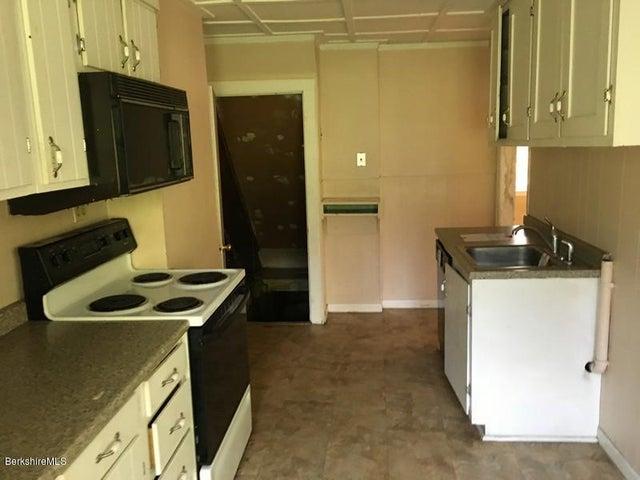 251-314409 Left Unit Kitchen 2