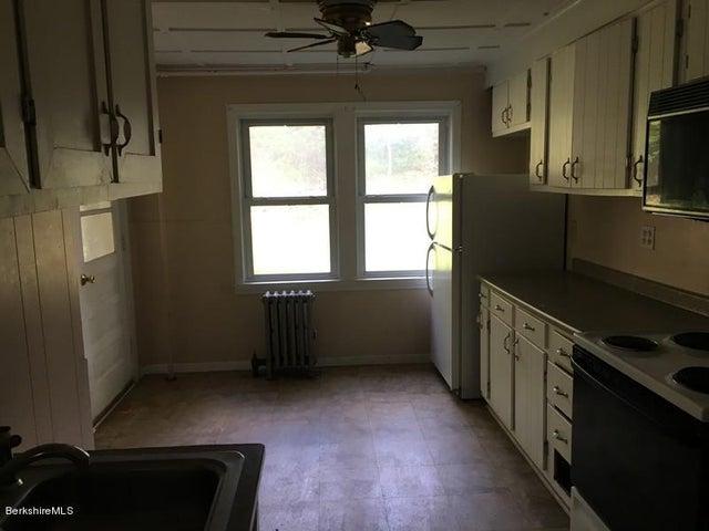 251-314409 Left Unit Kitchen
