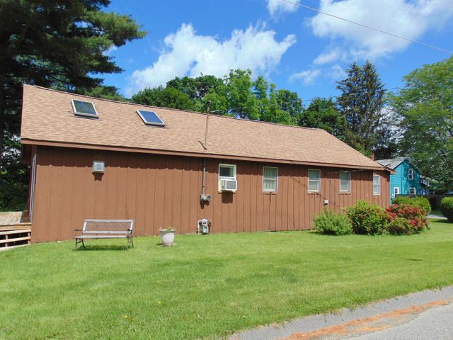 11 Constitution Rd, Pittsfield, MA 01201