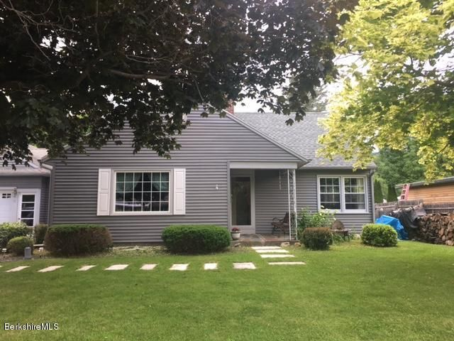 91 Meadowview Dr, Cheshire, MA 01225