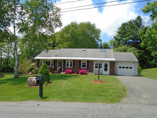 60 Parkview Ter, Lee, MA 01238