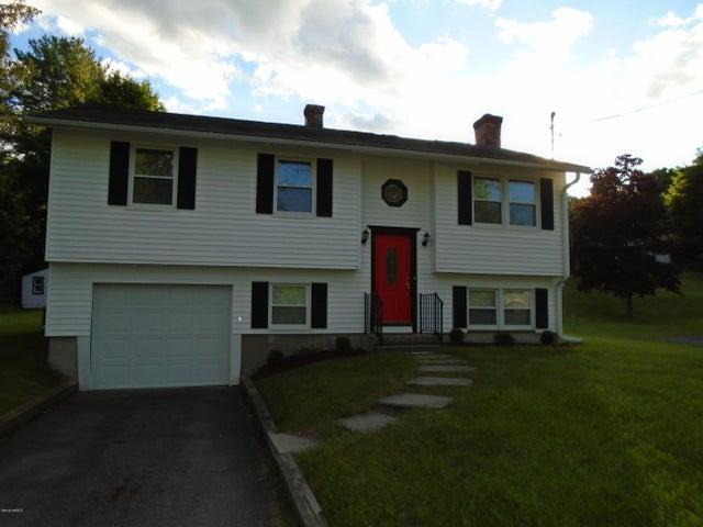 65 Saint James Ave, Lee, MA 01238