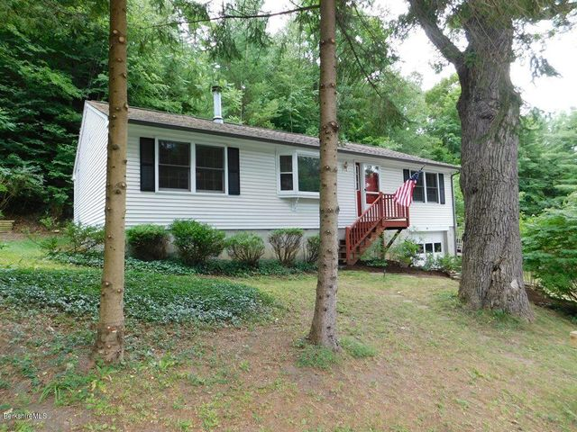 64 Henderson Rd, Williamstown, MA 01267