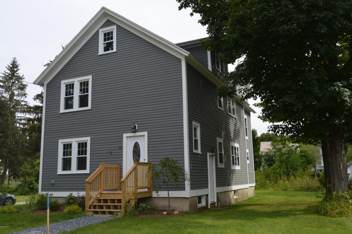 20 Maple St, Williamstown, MA 01267