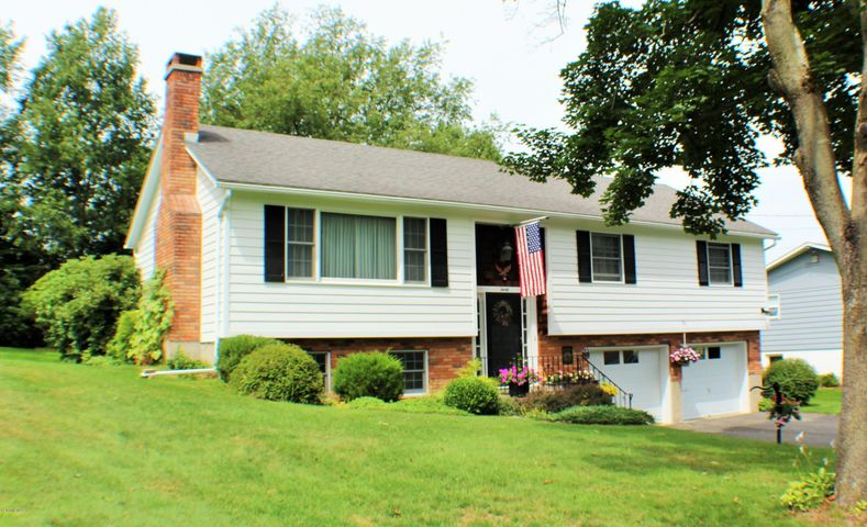 30 Michael Dr, Pittsfield, MA 01201