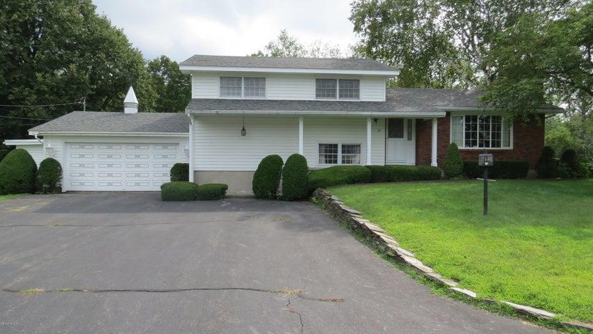 54 Musterfield Heights, Clarksburg, MA 01247