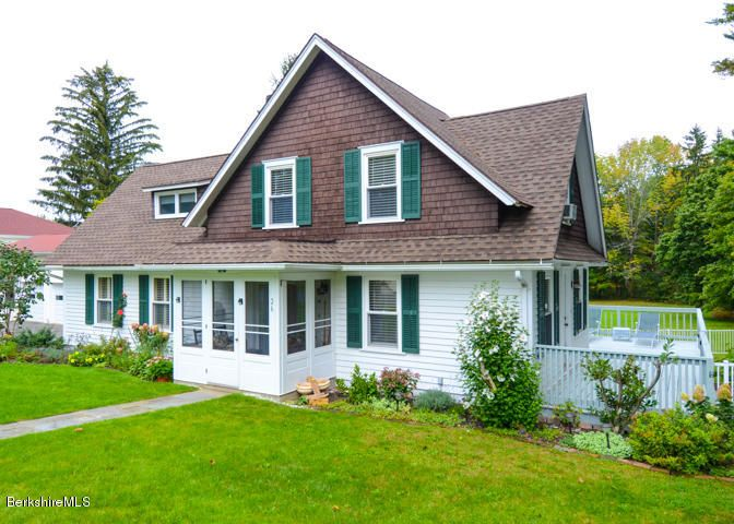 26 Sunset Ave, Lenox, MA 01240