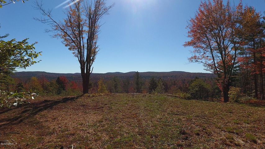 1570B Washington Mountain Rd, Becket, MA 01223