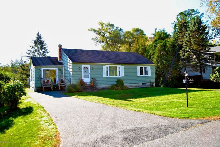 1 Willow St, Stockbridge, MA 01262