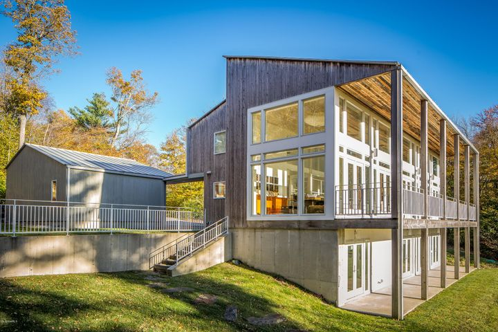 103 Longview Dr, Becket, MA 01223