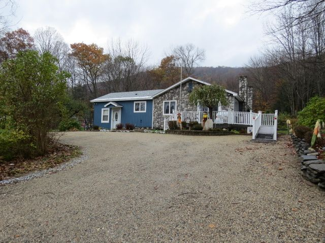 935 Outlook Ave, Cheshire, MA 01225