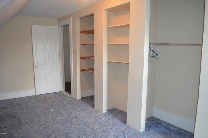Bedroom Built in closet