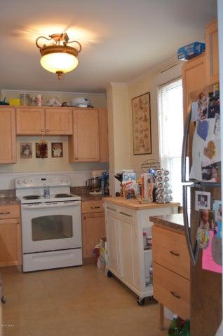 Updated Kitchen lots of storage