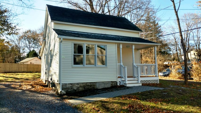 58 Housatonic St, Lenox, MA 01240