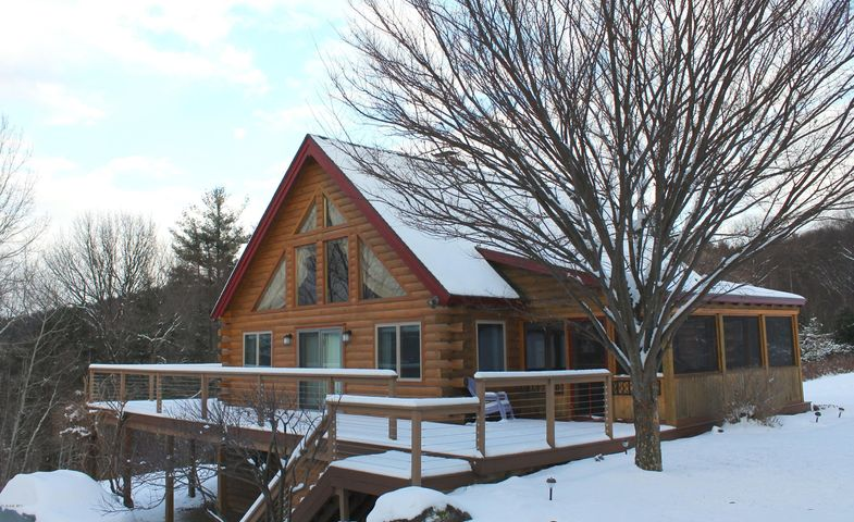 525 Wadsworth Rd, East Chatham, NY 12060