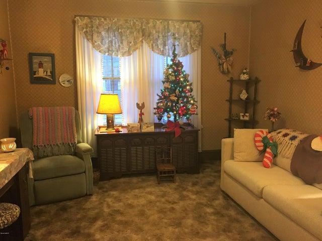 166 living room