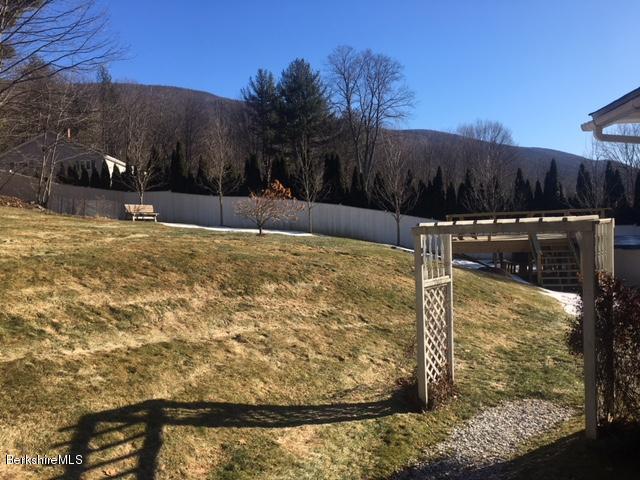Yard & View