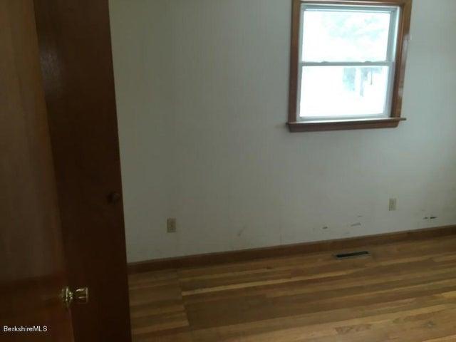 251-392608 Bedroom 4