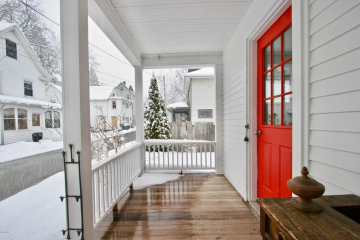 9 Francis Ave, Great Barrington, MA 01230