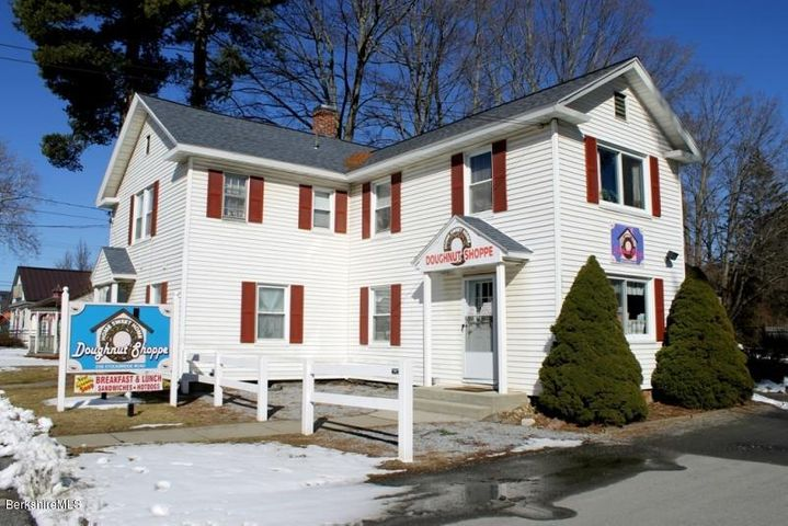 258 Stockbridge Rd, Great Barrington, MA 01230