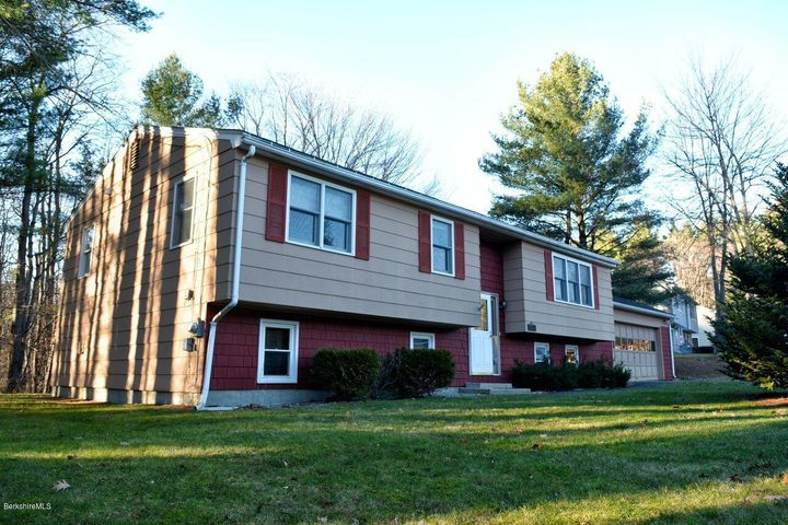 71 Birchwood Ter, North Adams, MA 01247
