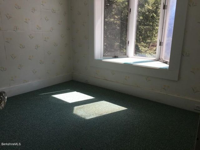 Extra Room 1