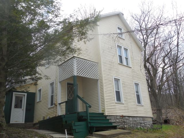 4 Lamoureaux Place, North Adams, MA 01247