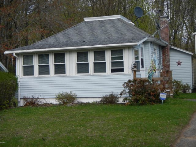 24 Country Club Ave, Adams, MA 01220