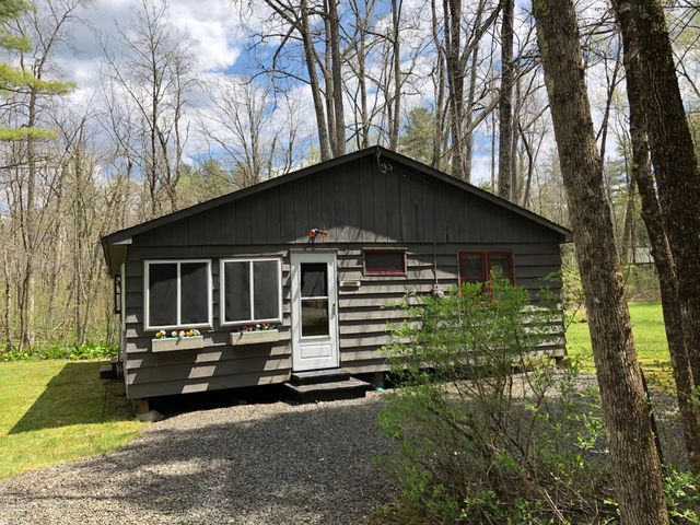 4 Birch Ln, Stockbridge, MA 01262