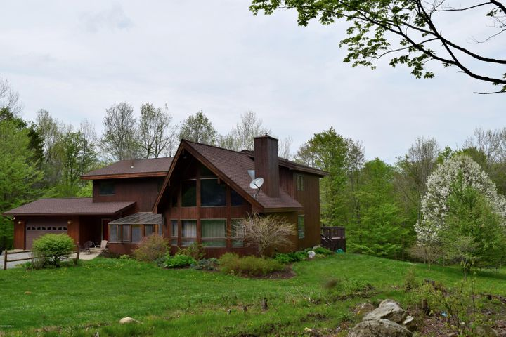 707 Benton Hill Rd, Becket, MA 01223