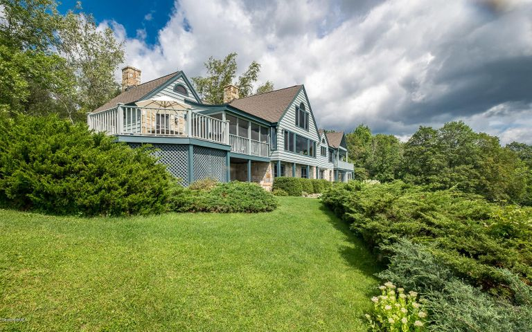 555 Bee Hill Rd, Williamstown, MA 01267