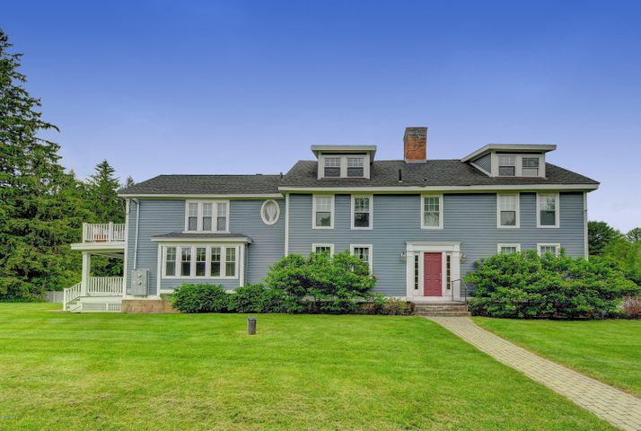 1 Devon Rd, Stockbridge, MA 01262