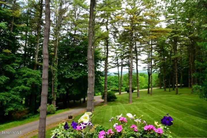 16 Pine Crest Hill Rd, Egremont, MA 01258