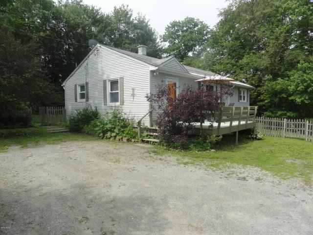 15 Squanto Rd, Lanesboro, MA 01237