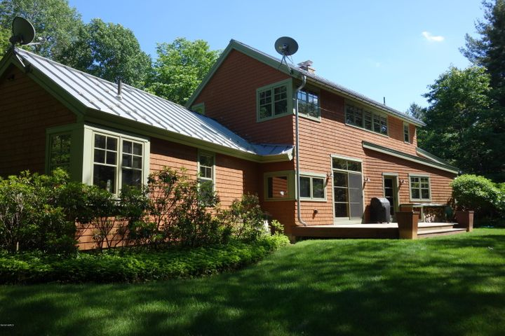 3 Mountain Rd, Mt Washington, MA 01258