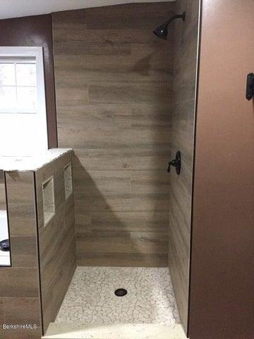 Upstair Bath #2
